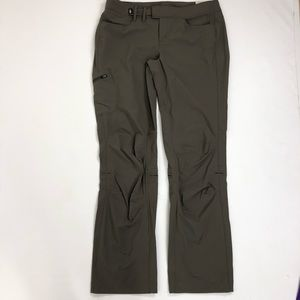 The North Face NWT olive green/brown pants. Size 12